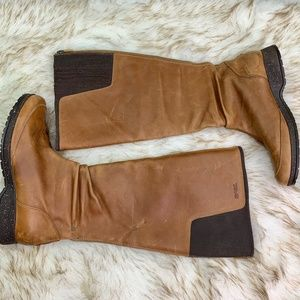 TEVA: Insulated Leather Boots